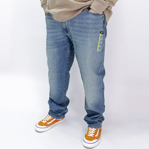 Extreme Motion Straight Stretch Jeans - Raw Vintage